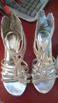 pair of silver-colored open-toe heels Chicago, 60629
