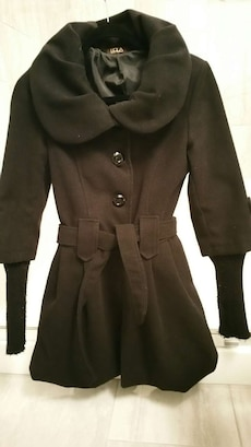 women's black trench coat