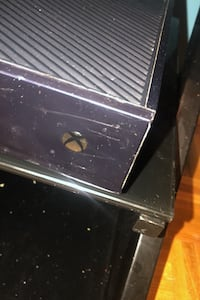 Selling Used Xbox one that still perfectly functions for $120 Toronto, M4M 3K4