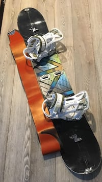 Splitboard snowboard blue and green
