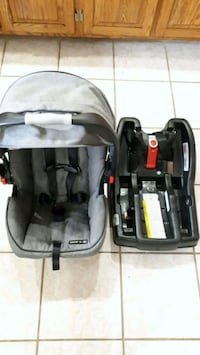 Graco carseat and base Newcastle, L1B 1L9