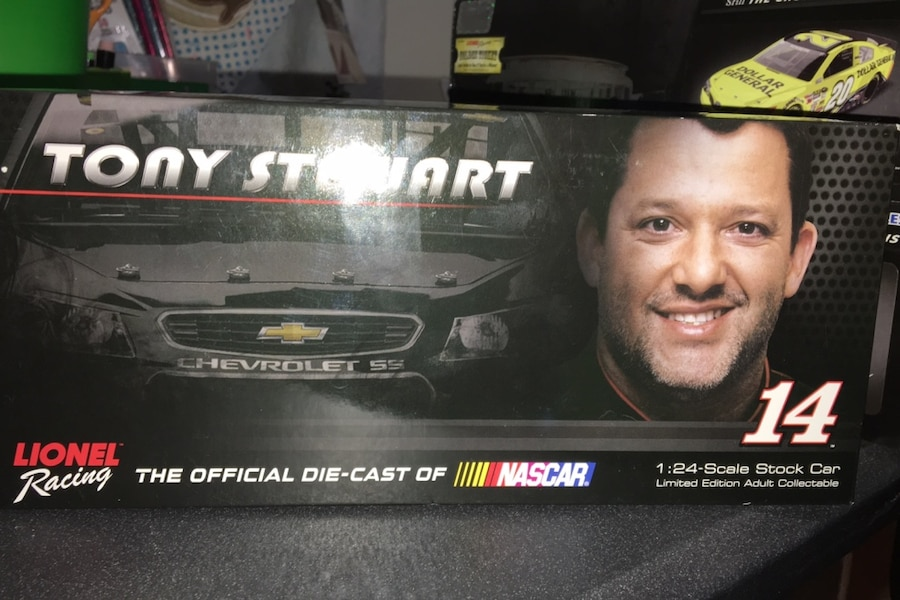 Photo 1:24 Die Cast Nascar Tony Stewart 2014