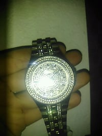 round silver-colored analog watch with link bracelet 2361 mi