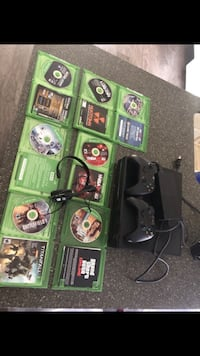Xbox 1 console with controller and game case lot Tulare, 93274