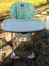 baby's white and green highchair Shepherdsville, 40165