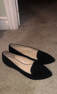 Black Flats size 7 but fits small 6.5  Toronto, M6L 2P1