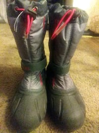 Boots for snow size 5