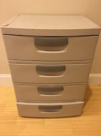 white wooden 4-drawer chest Arlington, 22202
