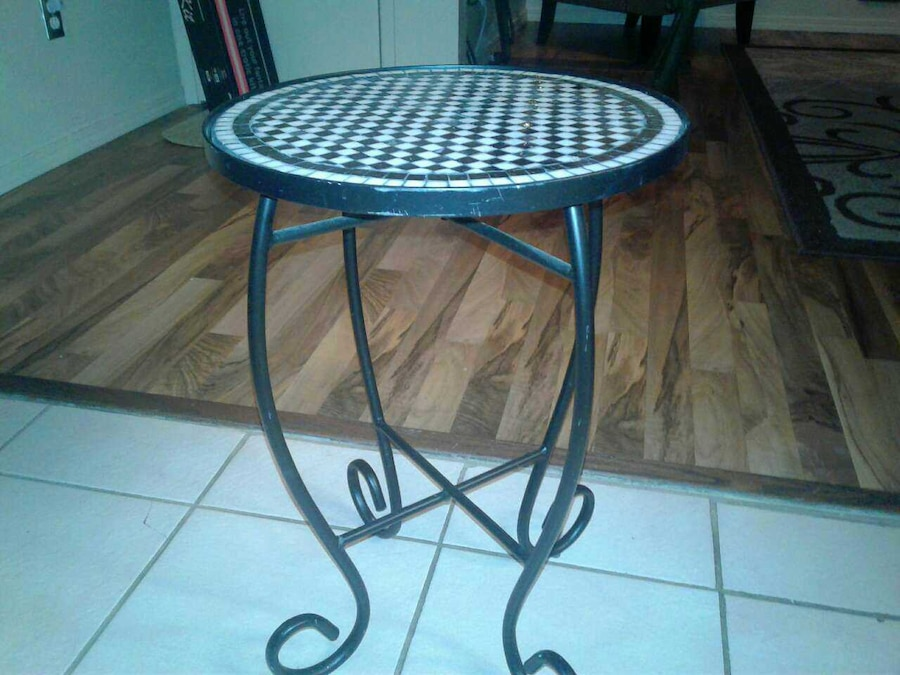 used small metal end table patio table in modesto. Black Bedroom Furniture Sets. Home Design Ideas