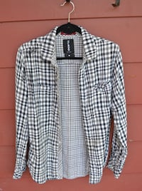 Black & White Long-Sleeve Plaid Flannel St Catharines, L2T 2W6