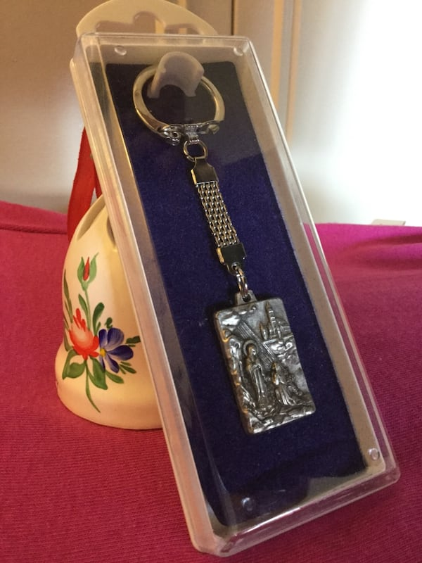 Keychain new in box / From  Washington DC  National Shrine Cathedral gift stope  NEW 37c29094-d29d-4d5c-88b2-9570d3199bd8