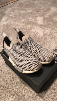 nmd r1 stlt size 10 worn for only 3-5 months but just too small Brandon, 57005