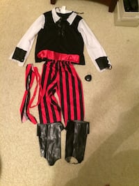 Children's pirate costume size L Huntersville, 28078
