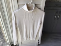 EUC,ladies pullover turtle neck sweater from Jones of New York, size small but quite roomy, machine washable Brampton, L6R