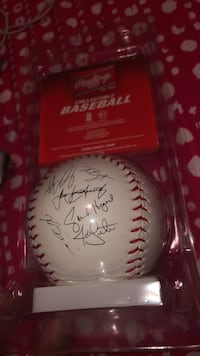 Autographed white and red baseball Stoney Creek, L8E 4G6