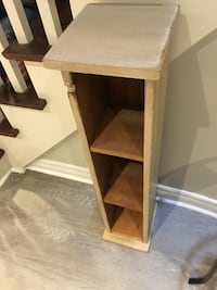 Rustic wooden shelf 3' high Oakville, L6H 6E7