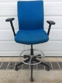 blue and black rolling chair Capitol Heights, 20743