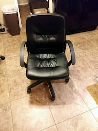 black leather office rolling armchair Mesa, 85201