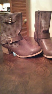 Brown ankle boot size 9