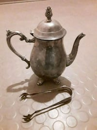 Silver tea pot with spout,  comes with ice tongs Tulsa, 74146