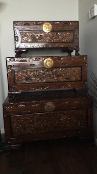 Large, Medium and small Antique chests with locks. Purchased for $900 in antique store.  Great for storing blankets, sweaters, linens and more.  Must go!!! OBO  Frederick, 21703