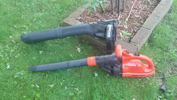 Used Black & Decker Electric Leaf Blower & Vacuum for sale
