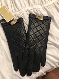 pair of black leather gloves Homestead, 33032
