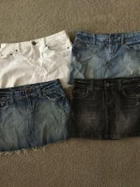 American Eagle skirts size 2 (price is for each) San Antonio, 78245