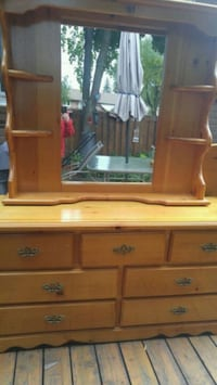 Dresser with mirror and a head board Brampton, L6T 1S8