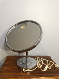 Small Vanity Mirror w/Light Charles Town, 25414