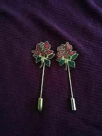 two red rose lapel pins Paramount, 90723