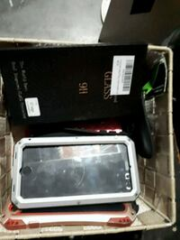 Box of random phone cases 5 for all in both pics Niagara Falls, L2H 3A5