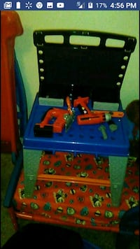 Kids work bench with tools Rainsville, 35986