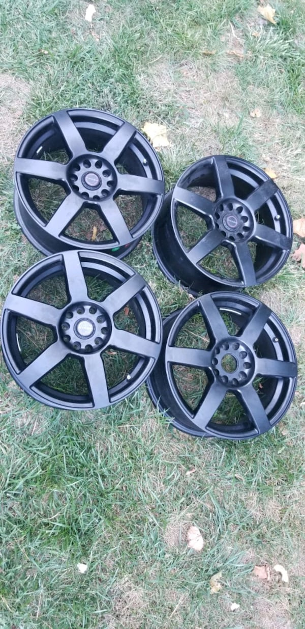 4 focal wheels rims  like new condition 17x7.5  5x112  5x120  77560670-dcf3-431e-87d1-a04f992df209