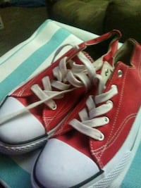 Airwalk Red shoes size 4 1/2 brand new Tempe, 85282
