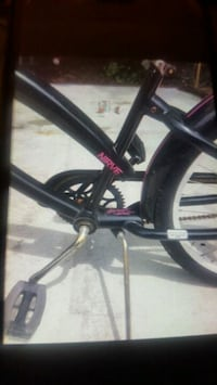 black and purple bicycle frame Delta, V4E