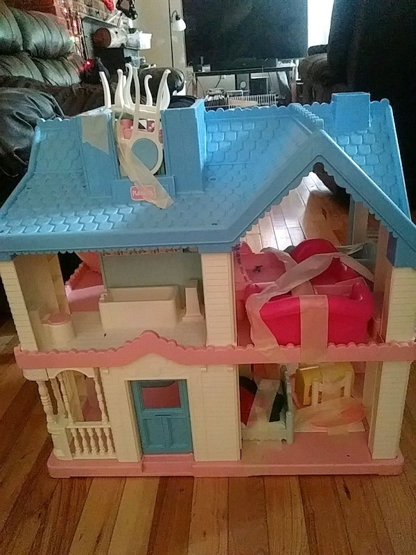 Used Playskool Vintage 1991 Dollhouse For Sale In Becker Letgo
