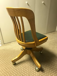 Vintage oak swivel office chair Toronto, M3A 1S9
