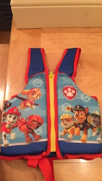 Paw patrol like new swim trainer vest. Serious only, Laval, H7Y 2C1