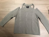 Grey Knitted sweater. Vancouver, V5T 1W6