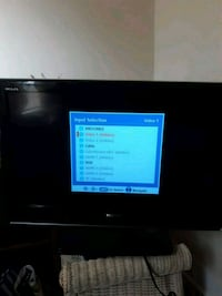 black flat screen TV with remote Norfolk, 23504