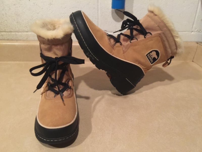 Women's Size 9 Sorel Tivoli III Waterproof Insulated Winter Boots 9753a575-144e-484e-a417-aa679bad0432
