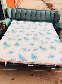 Couch/ hide away mattress  Oklahoma City, 73099