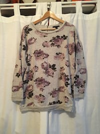 white and red floral long-sleeved shirt Montréal, H2V
