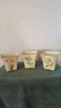 3 brand new floral containers  Murfreesboro
