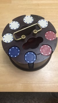 Poker chips with Wooden Carousel