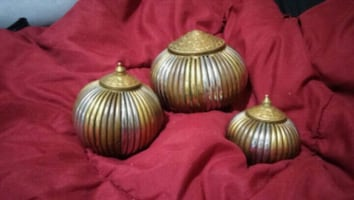3 small decorative brass balls