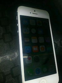 Iphone 5 unlocked no issues at all  Toronto, M9C 1E1