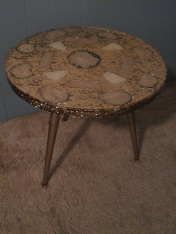 Unique Round Mid Century Mexican Onyx Resin Epoxy Gold Glitter Side End  Table