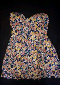 Floral strapless dress large  Simcoe